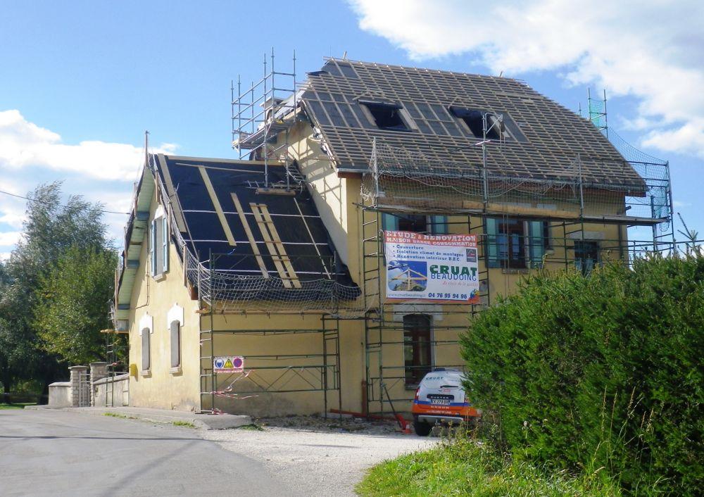 Pose couverture toit montagne couverture villard de lans maintenance couverture isere - Refection de toiture deductible des impots ...